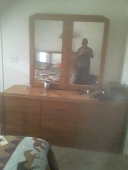 Bedroom suit for Sale in Brownwood,  TX