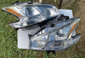 09 - 14 Nissan Maxima headlight for Sale in Grantham, PA