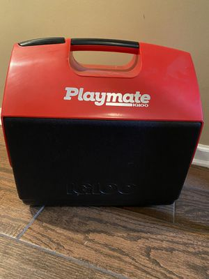 Playmate Igloo Cooler for Sale in West Chicago, IL