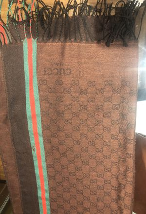 Gucci scarf 🧣 authentic for Sale in Burbank, CA