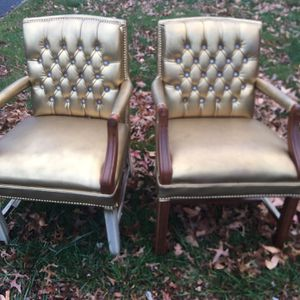 Free Chairs for Sale in Enola, PA