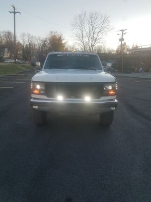 1996 Ford f450 super duty flatbed tow truck for Sale in FAIRMOUNT HGT, MD