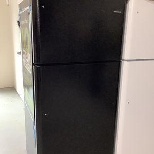 Frigidaire Top Freezer Refrigerator for Sale in Pompano Beach, FL