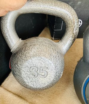 NEW 35 lb KETTLEBELL for Sale in Davie, FL