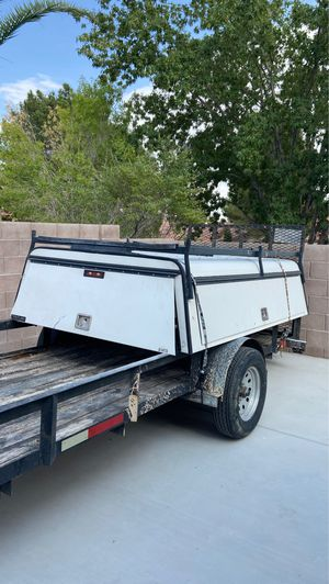 White camper for long bed truck for Sale in Las Vegas, NV