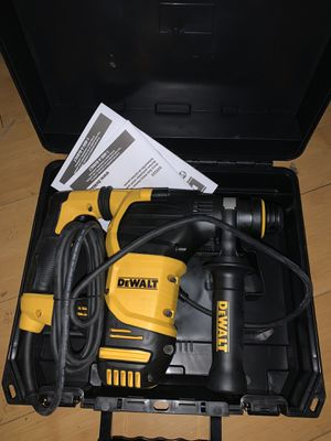 "Dewalt rotary roto hammer hammerdrill drill D25333k 1-1/8"" sds plus kit for Sale in Oakland, CA"