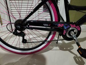 26 inch Susan Komen bike for Sale in Miami, FL