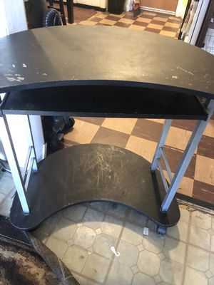 Computer desk for Sale in Dinuba, CA