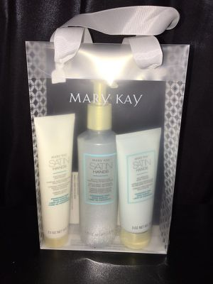 MaryKay Satin Hands Kit for Sale in Toms River, NJ