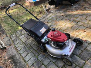 Honda dual blade lawnmower for Sale in Florham Park, NJ