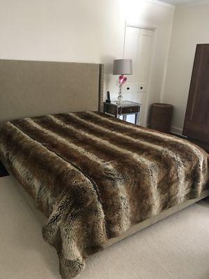 Faux Fur Throw Blanket for Sale in Manhattan Beach, CA