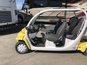 2002 GEM 4 seater. New batteries for Sale in Seal Beach, CA