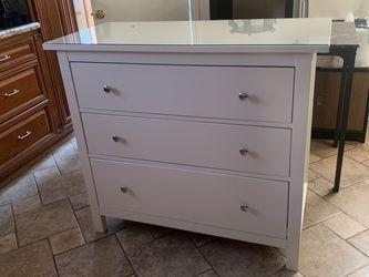 White Dresser for Sale in View Park-Windsor Hills,  CA