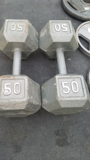 (EXERCISE FITNESS 365) EXCELLENT CONDITION PAIR OF 50 LBS IRON HEX DUMBBELLS for Sale in Long Beach, CA