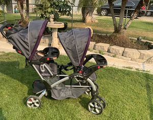 Baby Double Stroller. Good condition for Sale in Fresno, CA