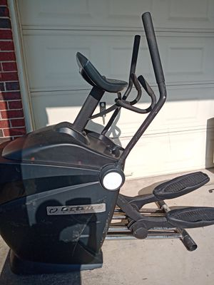 EXERCISE ELLIPTICAL MACHINE FOR CARDIO for Sale in Tomball, TX