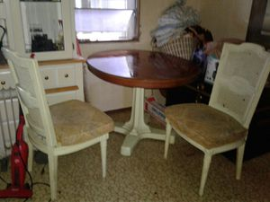 Nice vintage table for Sale in Pinellas Park, FL