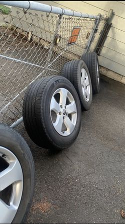2011 Jeep Grand Cherokee wheels size 18 for Sale in Roy,  WA