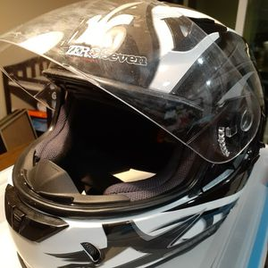 SevenZeroSeven Full-Face Motorcycle Helmet Size L for Sale in Glen Burnie, MD