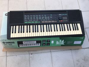 Musical keyboard for Sale in Saint Petersburg, FL