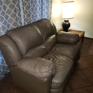 Leather reclining loveseat for Sale in Glendale, AZ