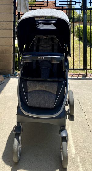 Chicco Bravo Travel System for Sale in West Covina, CA