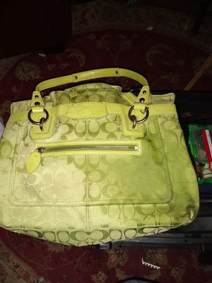 ***LIKE NEW GORGEOUS GREWN COACH PURSE*** for Sale in Vancouver, WA