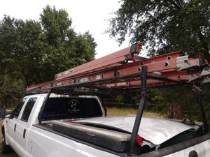 Werner 32' fiberglass extension ladder for Sale in Tampa, FL
