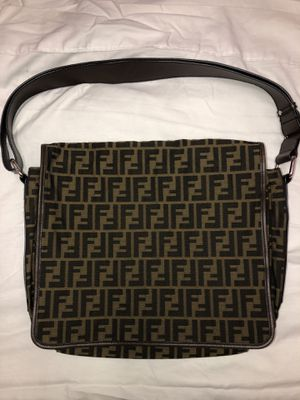 Fendi classic print canvas/leather strap messenger *great condition* for Sale in Los Angeles, CA