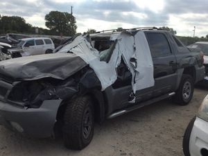 2002 AVALANCHE PARTING OUT (PARTS) for Sale in Dallas, TX