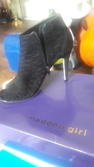 Brand new in box Madden girl size 7 and 1/2 for Sale in Plant City, FL