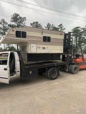 2008 Capri Camper retreat 8' bed truck camper for Sale in Humble, TX