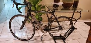 Carbon Fiber Road bike like new. 9.5 out of 10 Value $2300 for Sale in Pembroke Pines, FL