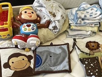 Baby Crib, Receiving Blankets, Towels, Toys Blankets, Blow Up Bath, Baby Changing Pads for Sale in Ruskin,  FL