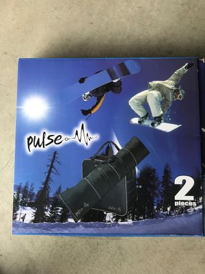 Snowboard and boot bag for Sale in Stevenson Ranch, CA