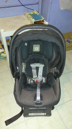Peg Perego Car Seat Carrier and Base for Sale in Phoenix, AZ