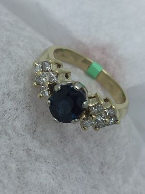 SALE!!! Sapphire ring 14k yellow gold for Sale in Miami, FL