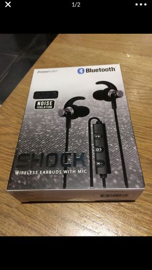 Bluetooth headphones noise canceling brand new for Sale in West Palm Beach, FL