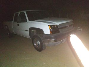 2003 chevy 2500 hd. 4x4 for Sale in Phelan, CA
