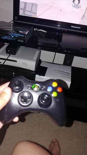 Xbox 360 controller for Sale in San Antonio, TX