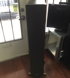 Pair of Cambridge soundworks tower speakers inv #10909 for Sale in Scottsdale, AZ