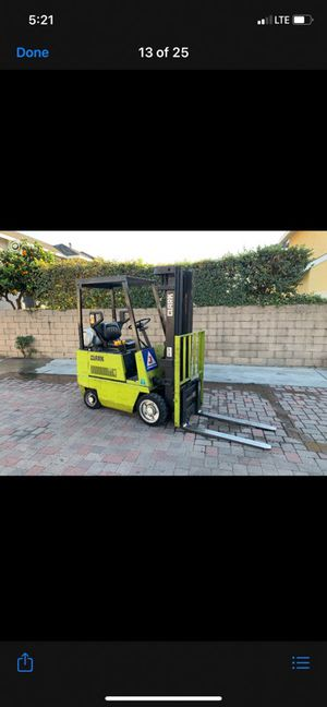 Clark Forklift 3000 pound capacity triple stage side shift for Sale in Alhambra, CA