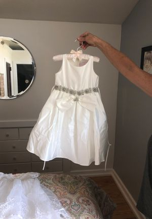 Wedding flower girl dresses Sophia specialty brand for Sale in Palos Park, IL