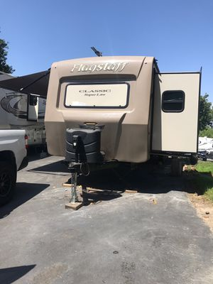 Flagstaff classic travel trailer for Sale in Upland, CA