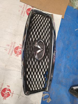 2017 - 2019 Infiniti QX60 GRILL front bumper oem parts for Sale in Los Angeles, CA