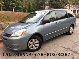 2005 TOYOTA SIENNA ONE OWNER AUTOMATIC CLEAN NO ACCIDENTS DVD for Sale in Atlanta, GA