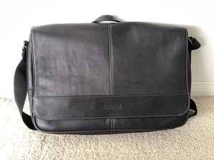Kenneth Cole Messenger Bag for Sale in San Diego, CA