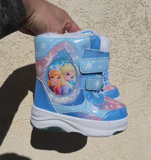 New Disney Snow boots size 7/8 for toddler for Sale in Bell Gardens, CA