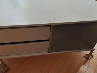 TV Stand some Scratches On Top Can Be Refinished for Sale in Seattle,  WA