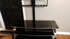 Like new TV stand fits up 70 in tv for Sale in Salina, KS